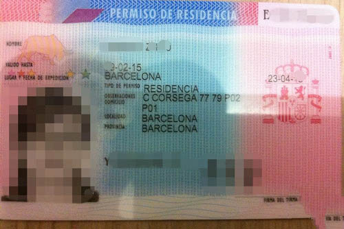 Miss Wang and her family got the Spain Resident Card
